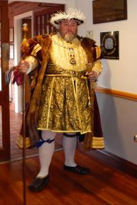 1. Wi at Burcot Henry VIII arriving WEB RGB - Keith Woolford 26-4-17