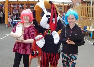 BFS Summer Fair Girls and mascot WEB K 16-7-16