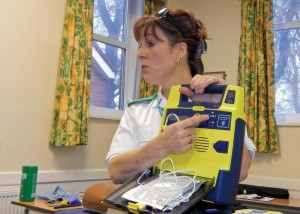 PC Defib training 1 by Michelle Lewis pic Keith Woolford 6-11-15