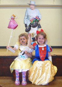 LF Twins fancy dress winners web 12-6-16