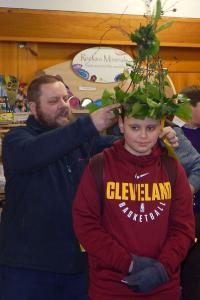 Wassail 10 WEB Matthew crowned 'King Bean' Keith Woolford 13-1-18